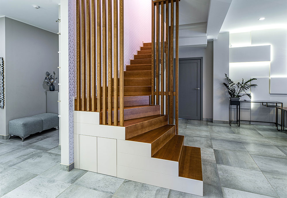 How Luxury and Modern Staircase Add Beauty To Your Home